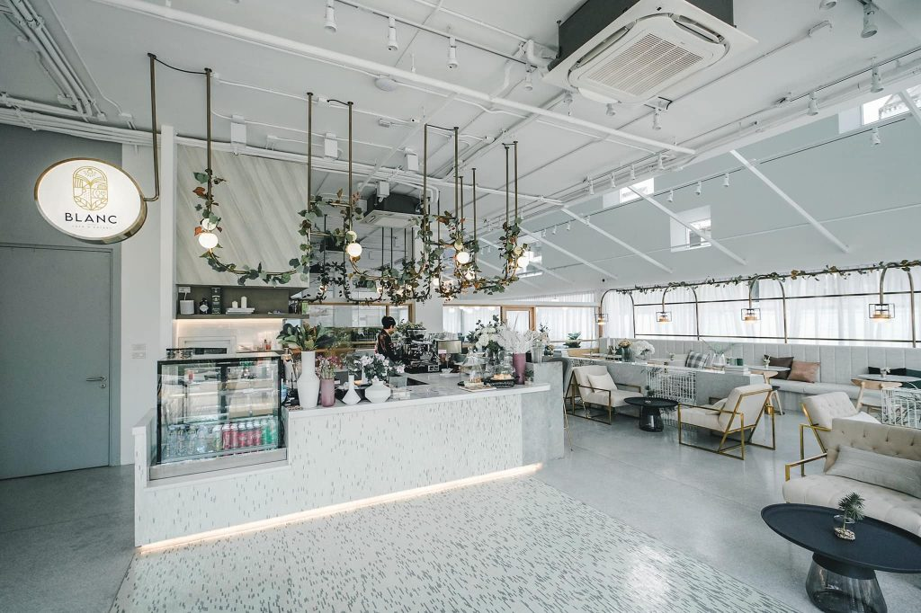 Blanc Cafe & Eatery 2